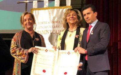 Los médicos malagueños Alberto Cuevas y Teresa Queipo  Medalla al Mérito Sanitario
